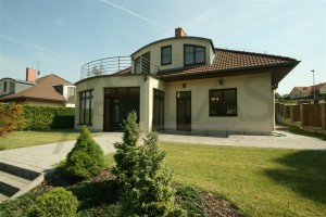 Exterior - Luxury Villa with indoor pool, 4 Bedroom, 320 sq.m. in Prague 6 - Nebusice